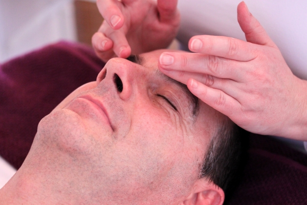 Pure Relaxation Face & Scalp Massage